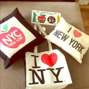 Nyc gift souvenir bundle